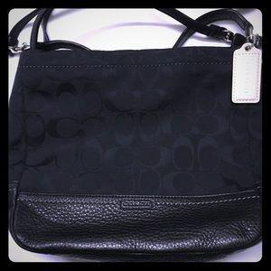 🆕💯💼 COACH sig. min. crossbody bag